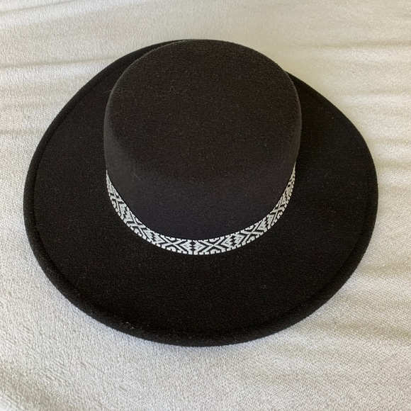 H&M Accessories - H&M Black Hat
